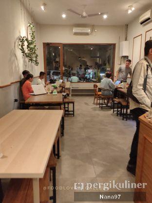 Foto 7 - Interior di Bloom Coffee & Eatery oleh Nana (IG: @foodlover_gallery)