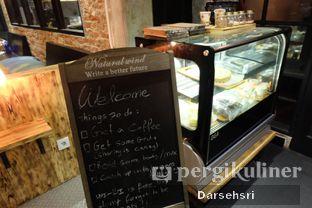 Foto 10 - Interior di Watt Coffee oleh Darsehsri Handayani