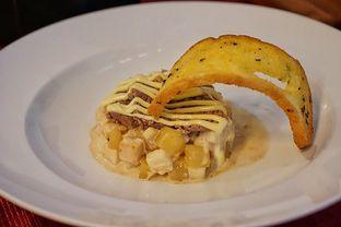 Foto 3 - Makanan(Huzarensla Salad) di Braga Permai oleh Fadhlur Rohman