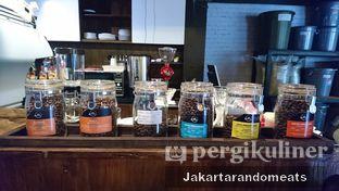 Foto 6 - Interior di Kopi Boutique oleh Jakartarandomeats