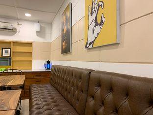 Foto 4 - Interior di Wake Cup Coffee oleh shasha