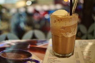 Foto 2 - Makanan(Black Forest Milk Shake) di Wiki Koffie oleh Fadhlur Rohman