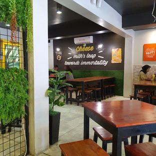 Foto 5 - Interior di Master Cheese Pizza oleh Adhy Musaad