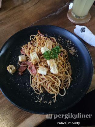 Foto 3 - Makanan(Aglio Olio) di Petrichor Cafe & Bistro oleh Rahel Moudy