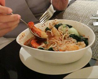 Foto 2 - Makanan di The Cafe - Hotel Mulia oleh Dini  Nurfitri