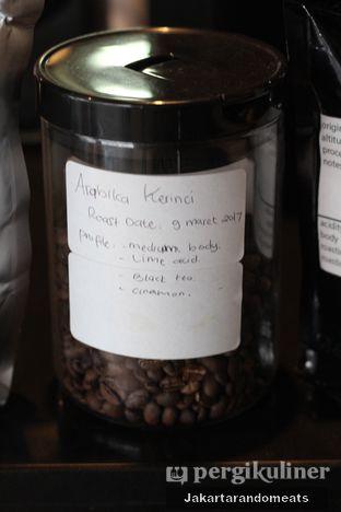 Foto 24 - Interior di Widstik Coffee oleh Jakartarandomeats