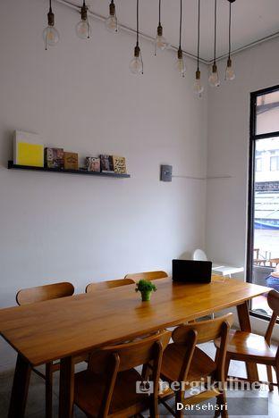 Foto 7 - Interior di Banter Coffee oleh Darsehsri Handayani