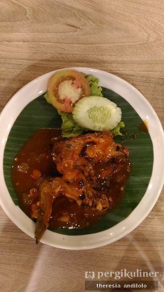 Foto Makanan di Pan & Flip