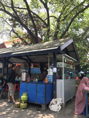 Foto 3 - Eksterior di Bakmie Ikin Pulomas oleh Kami  Suka Makan