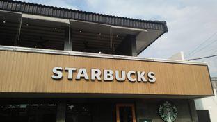 Foto 6 - Eksterior di Starbucks Coffee oleh Review Dika & Opik (@go2dika)
