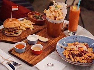 Foto - Makanan di Hause Rooftop oleh Huntandtreasure.id