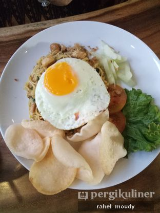 Foto 5 - Makanan(Fried Noodle) di Petrichor Cafe & Bistro oleh Rahel Moudy
