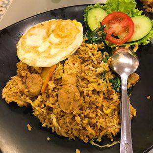 Foto 2 - Makanan di OTW Food Street oleh Della Ayu