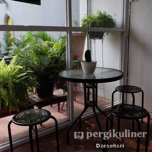 Foto 12 - Interior di Semusim Coffee Garden oleh Darsehsri Handayani