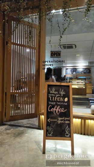 Foto 9 - Interior di Monkey Tail Coffee oleh Mich Love Eat