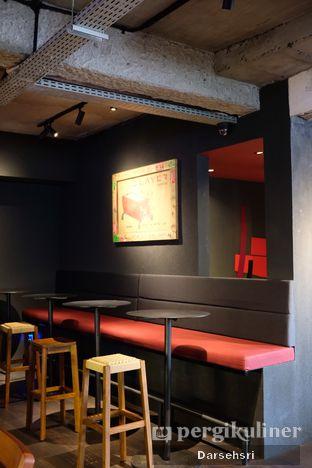 Foto 8 - Interior di Tanamera Coffee Roastery oleh Darsehsri Handayani