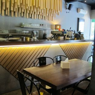 Foto 4 - Interior di Bang Bang Bar oleh Kuliner Addict Bandung