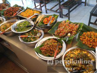 Foto 4 - Makanan di Nasi Uduk Ci Lemy oleh Tirta Lie