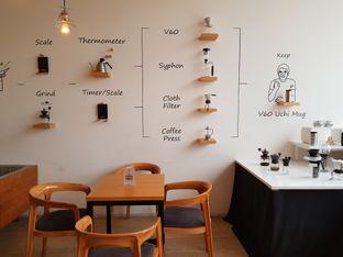 Foto 7 - Interior di Hario Coffee Factory oleh D L