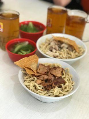 Foto 2 - Makanan di Bakmi Bintang Gading oleh Makan2 TV Food & Travel