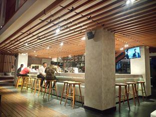 Foto 10 - Interior di M POOL & BISTRO - The Margo Hotel oleh yudistira ishak abrar