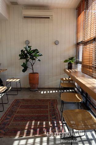 Foto 3 - Interior di Woodpecker Coffee oleh Darsehsri Handayani