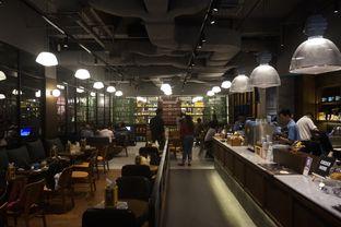 Foto 21 - Interior di The People's Cafe oleh yudistira ishak abrar