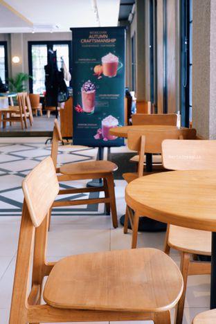 Foto 8 - Interior di Starbucks Reserve oleh Indra Mulia