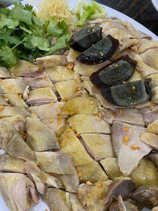 Foto 1 - Makanan di Bubur Ayam Mangga Besar 1 oleh Duolaparr