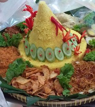 Foto 2 - Makanan(Nasi Tumpeng) di Selera Meneer oleh Qorry Ayuni