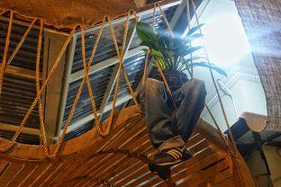 Foto 6 - Interior di Equator Coffee & Gallery oleh Fadhlur Rohman