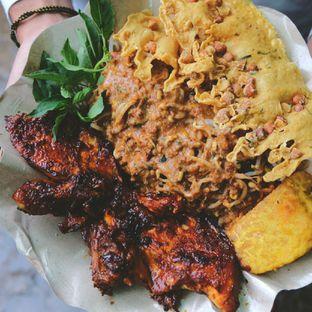 Foto - Makanan di Ayam Bakar Madiun oleh Oliver