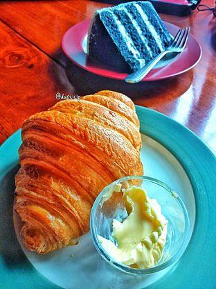 Foto 35 - Makanan di Convivium oleh duocicip