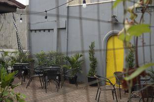 Foto 12 - Interior di Semusim Coffee Garden oleh yudistira ishak abrar