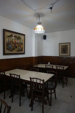 Foto 9 - Interior di Kedai Mie Dago oleh yudistira ishak abrar