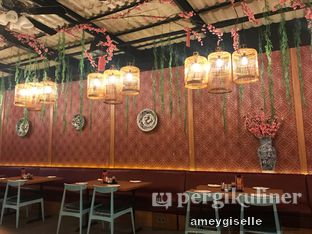 Foto 7 - Interior di Dragon Cafe oleh Hungry Mommy