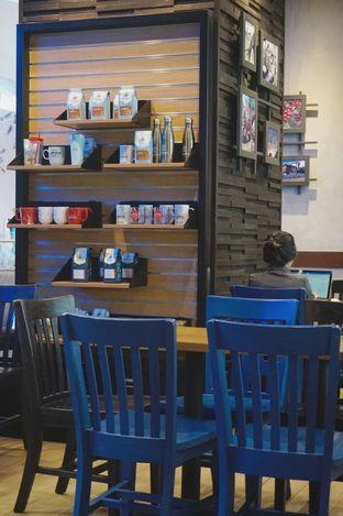 Foto 5 - Interior di Caribou Coffee oleh yudistira ishak abrar