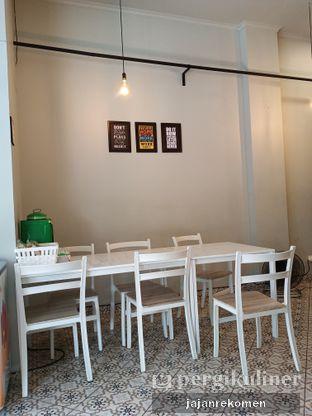 Foto 5 - Interior di Cobek Betawi oleh Jajan Rekomen