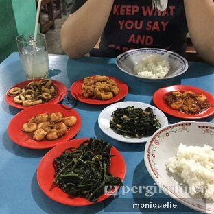 Foto - Makanan(Udang saus tiram ) di Seafood Artomoro Pak Kumis oleh Monique @mooniquelie @foodinsnap