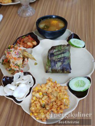Foto 2 - Makanan(Nasi Bakar Peda Special) di Aromanis oleh JC Wen