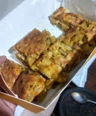 Foto 1 - Makanan(Martabak Ikhwan (IDR 27k)) di GH Corner oleh Renodaneswara @caesarinodswr
