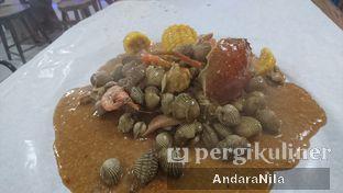 Foto 2 - Makanan di Perang Kerang - Barbarian Seafood House Restaurant oleh AndaraNila