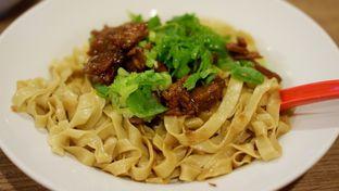 Foto 1 - Makanan(Mie Lebar Cahsiu) di Bakmie Aloi oleh Chrisilya Thoeng