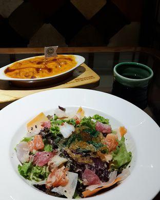 Foto 2 - Makanan(Sashimi salad & Mozaru) di Zenbu oleh Claudia @claudisfoodjournal