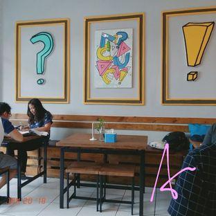 Foto 5 - Interior di Bloom Coffee & Eatery oleh abigail lin