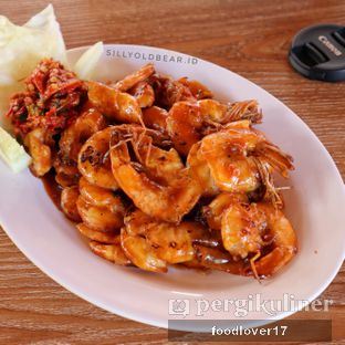 Foto 3 - Makanan(Udang Bakar Madu) di Rumah Makan Kampung Kecil oleh Sillyoldbear.id