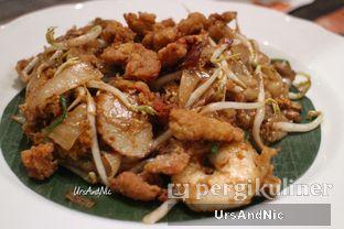 Foto 5 - Makanan(Penang Char Kway Teo ) di Penang Bistro oleh UrsAndNic