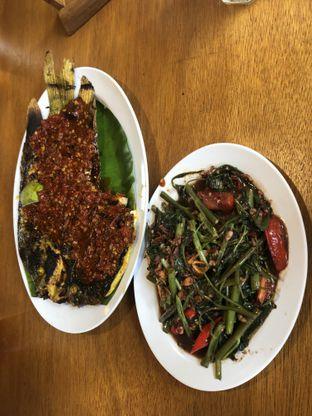 Foto - Makanan(gurame bakar bumbu pecak) di Gurih 7 oleh ktearatey