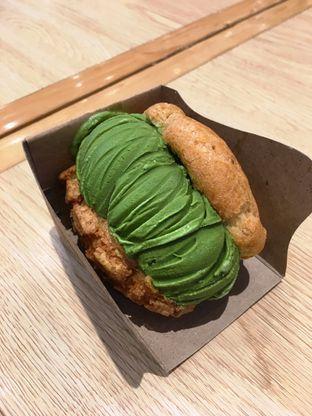 Foto 8 - Makanan di Hokkaido Icecream Puff oleh Prido ZH