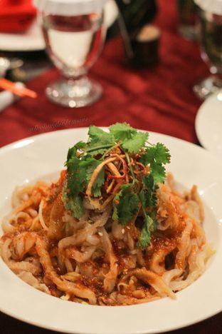 Foto 6 - Makanan di Meradelima Restaurant oleh thehandsofcuisine